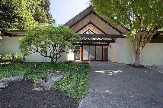 Mid Century Modern Home Tour in Portland, Oregon