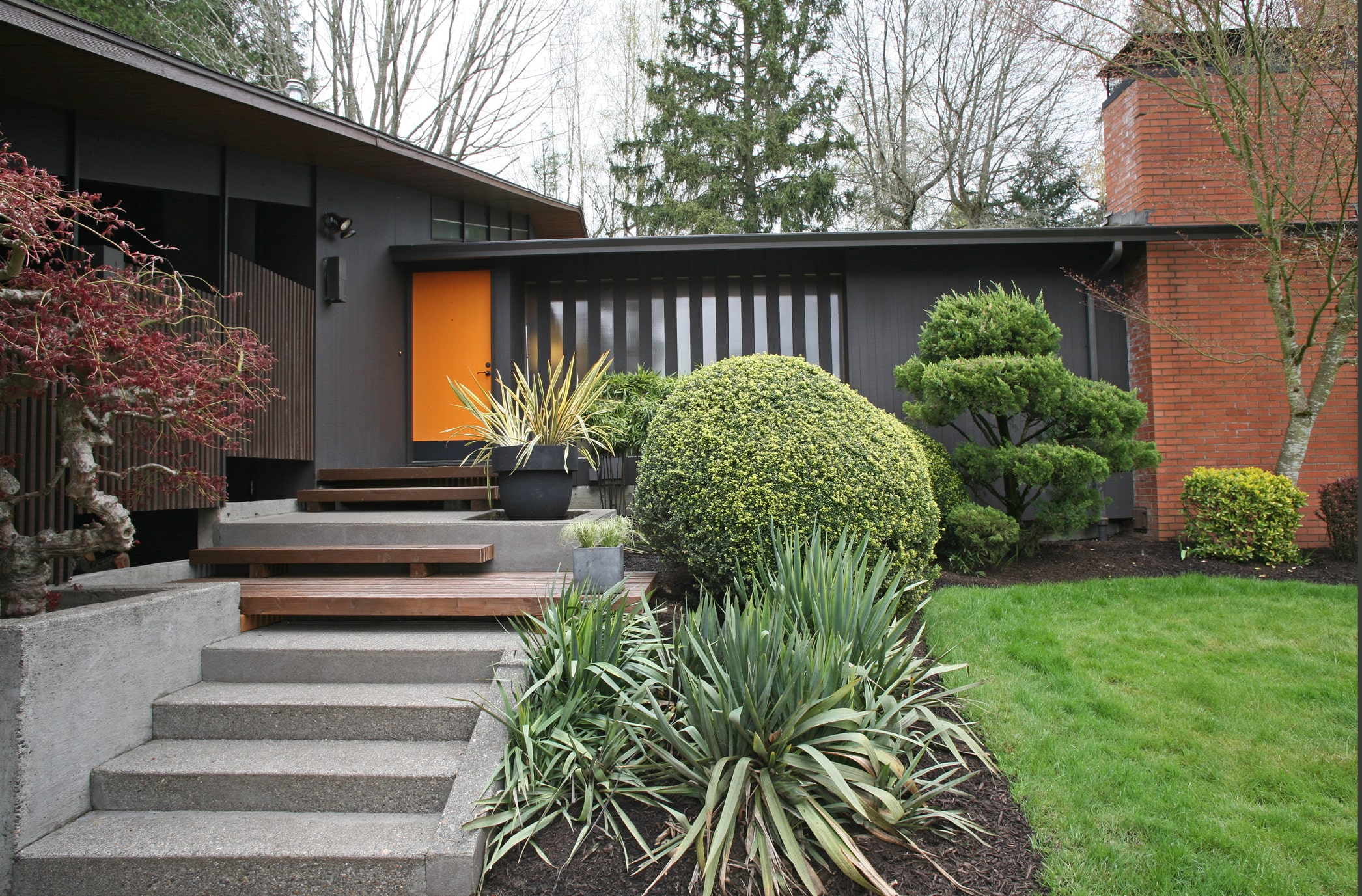 The best neighborhoods to find mid century modern homes in Modern house portland
